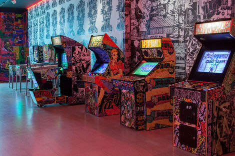 <p>The FAILE & BAST Deluxx Fluxx Arcade</p>